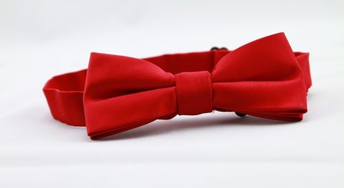 Red-bow-tie-936466_960_720